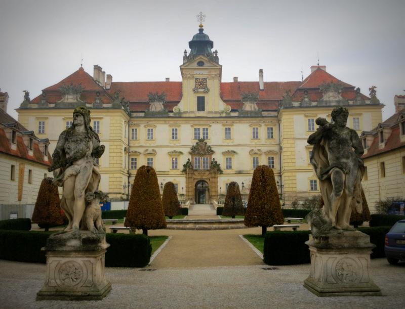 Zámek ve Valticích.
